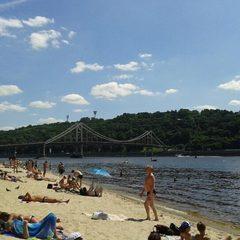 У столичних водоймах знову можна купатися