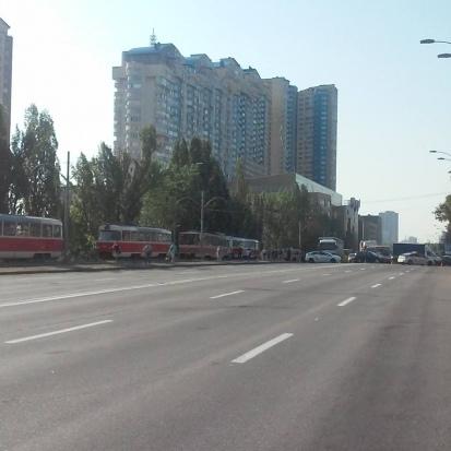 Харківське шосе у Києві перекрили через протест