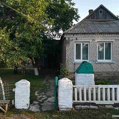 Вночі у Запорізькій області чоловік наніс ножові поранення 15-річній родичці