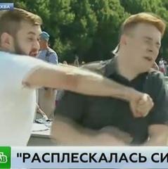 Захарченко заявив, що покарає чоловіка, який вдарив журналіста НТВ  (відео)