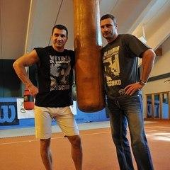 «Він досягнув такого результату, який я бажаю комусь колись повторити» - Віталій Кличко прокоментував завершення спортивної кар'єри брата (відео)