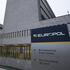 Європол опублікував жартівливі листівки для злочинців