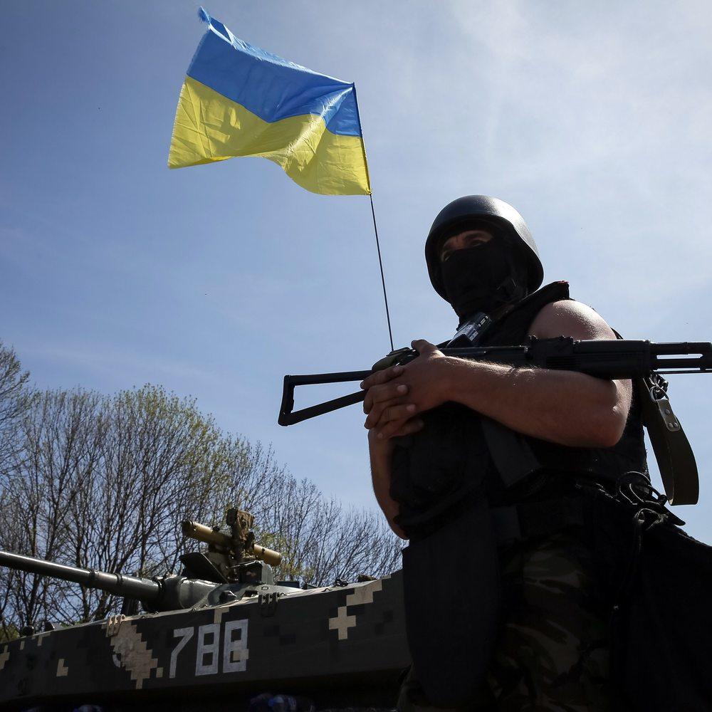 Бойовики посилили вогневу активність в зоні АТО: серед українських бійців є поранені
