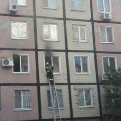 Граната вибухнула у багатоповерхівці у Дніпрі: є жертви