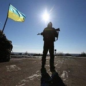 Штаб АТО: в результаті обстрілу бойовиків трьох українських військових поранено
