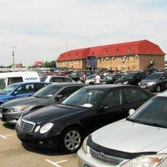 Кількість реєстрацій українцями ввезених вживаних авто зросла до 45%