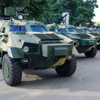Суд ухвалив рішення стягнути з Львівського бронетанкового заводу 10 млн грн за машини «Дозор-Б»