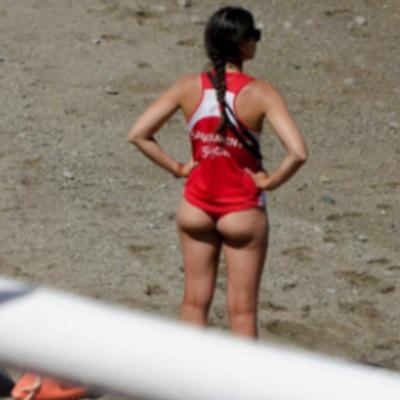 Фото іспанських дівчат-рятувальниць на пляжі змусили керівництво змінити їх уніформу (відео)