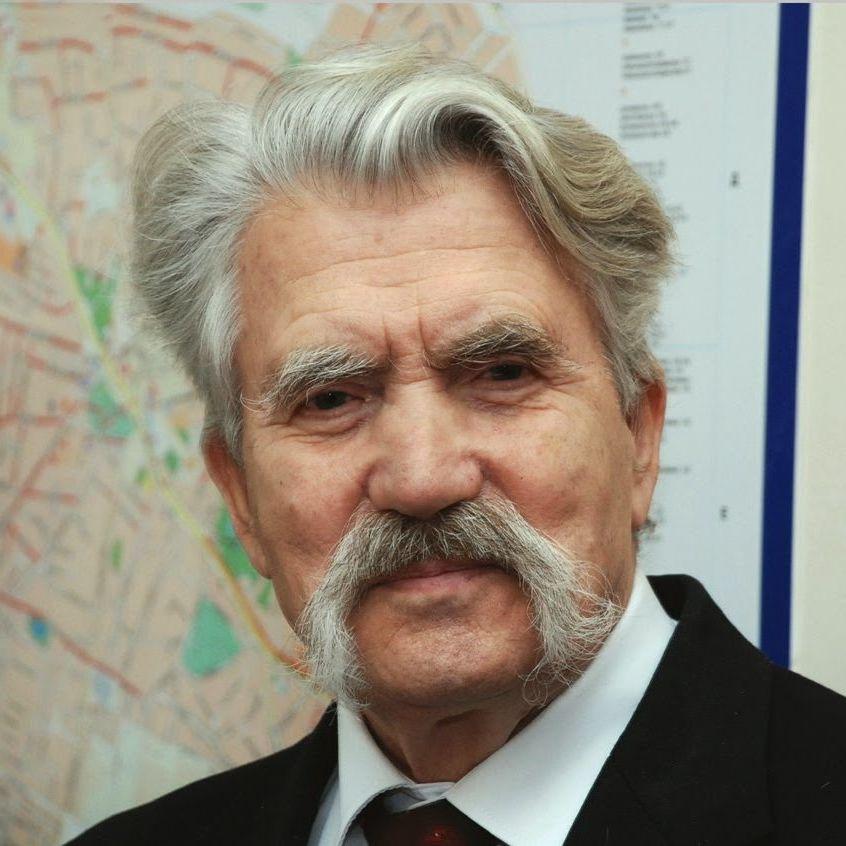 Левко Лук'яненко запропонував розстрілювати тих, хто нагрів руки на «Стіні»