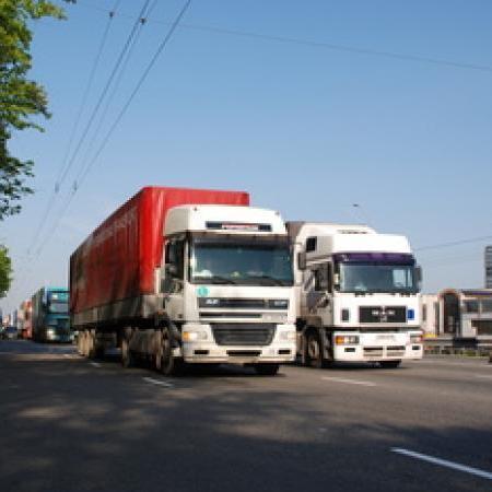 У Києві обмежено рух великовагового транспорту