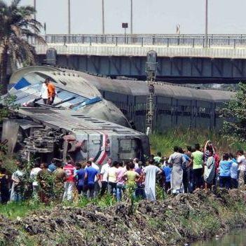 У Єгипті зіткнулися два поїзда: десятки загиблих, півсотні поранених (фото, відео)