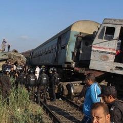Зіткнення поїздів у Єгипті: стала відома причина залізничної аварії (фото)