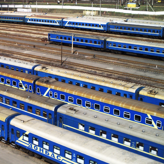 В «Укрзалізниці» сказали, що більше половини пасажирських поїздів не мають кондиціонерів