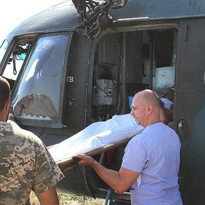 Важкопоранених бійців АТО евакуювали вертольотом до Харкова