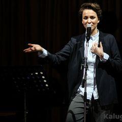 Російська поетеса виступила в Одесі, незважаючи на гастролі в Криму