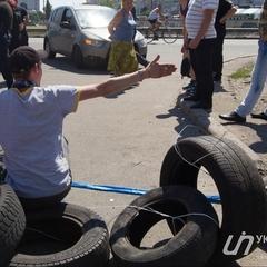 У Києві протестувальники продовжують блокувати частину вулиці Ревуцького