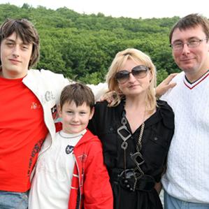 Син Юрія Луценка зробив своїм батькам коштовний подарунок