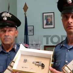 В Італії покоївка знайшла зброю в номері, вирішила, що це запальничка та вистрілила в напарницю