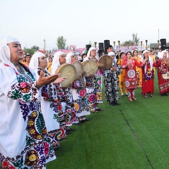 У Таджикистані музиканти зіпсували настрій президенту, звільнена чиновниця