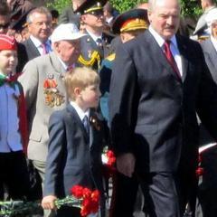 Лукашенко обіцяє у школах однакове 1 вересня для всіх діток