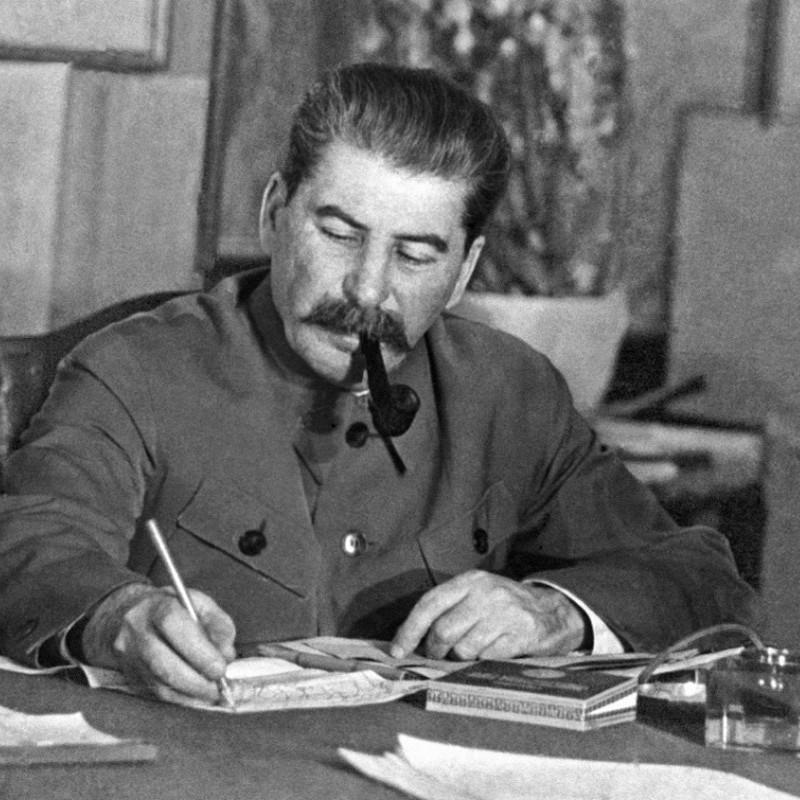 Цього дня Сталін видав наказ, за яким всі радянські військовополонені оголошувалися зрадниками