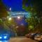 У київський Міст закоханих вдихнули нове життя (фото)