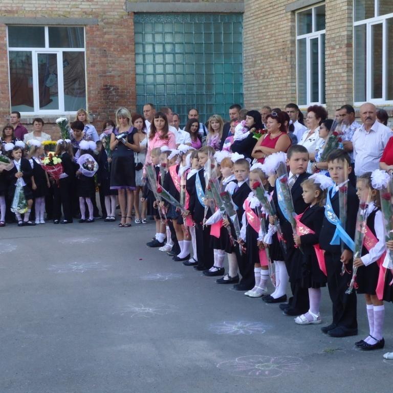 Українці просять чиновників не приходити до шкіл 1 вересня