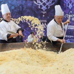 В Узбекистані приготують найбільшу в світі порцію плову