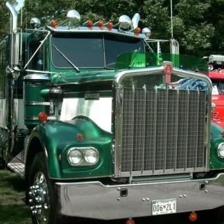 В Техасі прикордонники виявили 60 нелегалів у холодильній камері вантажівки