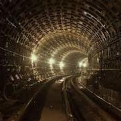 У Києві затримано іноземця, який гуляв тунелем метро