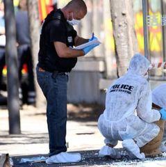 У Марселі автомобіль врізався в автобусну зупинку: загинув чоловік