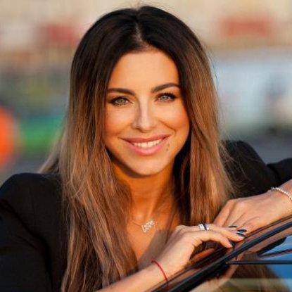 Ані Лорак готує велику концертну програму містами Росії