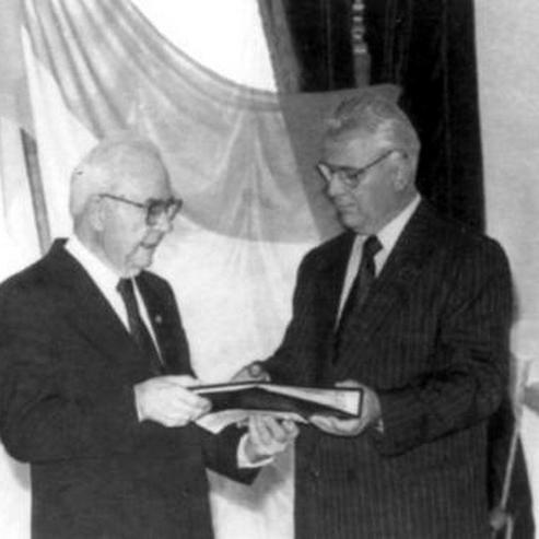 25 років тому останній Президент УНР в екзилі Микола Плав'юк передав клейноди УНР і грамоти про правонаступництво Леоніду Кравчуку