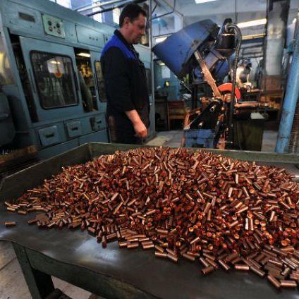 В Україні з'явиться новий завод боєприпасів і збільшиться кількість танків та ракет