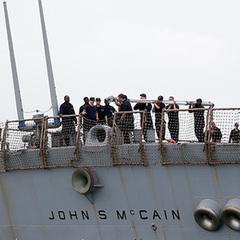 Тіла моряків есмінця  «Джон Маккейн» знайдено