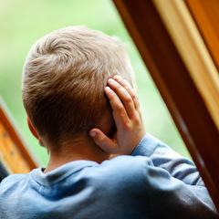 У Покровському 6-річний хлопчик випав із вікна