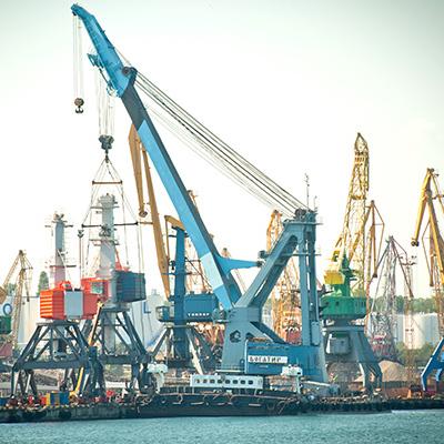 Працівники Чорноморського порту «не дали» повернутися екс-керівнику на посаду (відео)