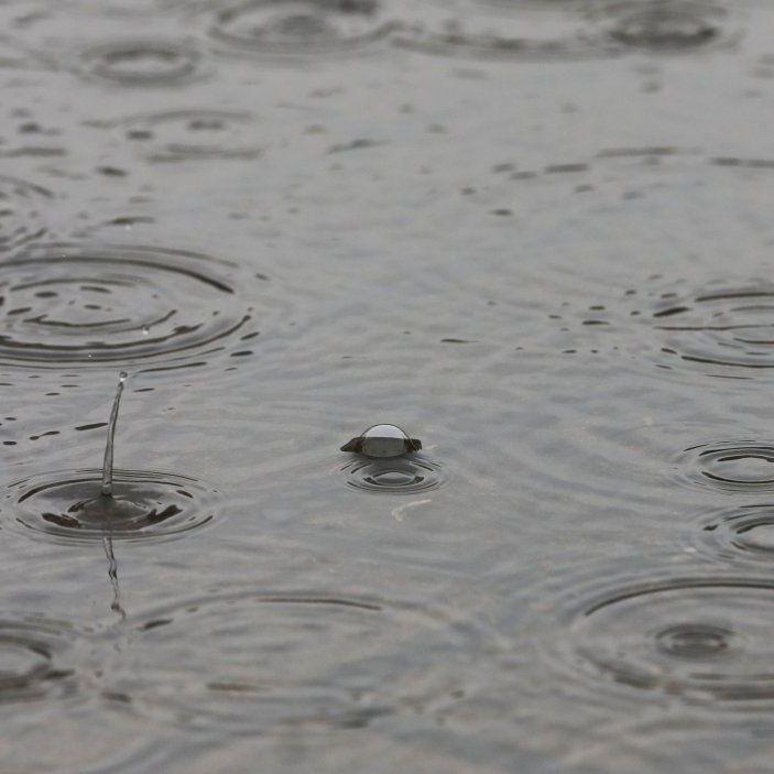 В Україні сьогодні пройдуть дощі з грозами, на сході температура до +29° (карта)