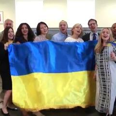 Посольство США привітало українців з Днем Незалежності виконанням пісні «Добрий ранок, Україно!»  (відео)