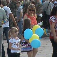 Авіашоу, лицарські бої, забіги у вишиванках – як в Україні відзначили День Незалежності