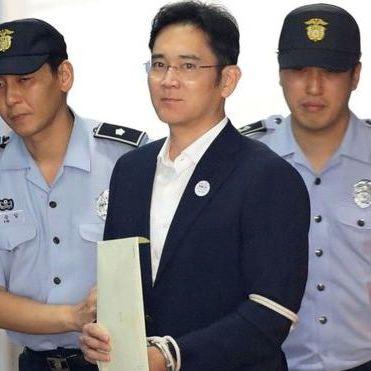 Керівника Samsung засудили до п'яти років ув'язнення за давання хабарів