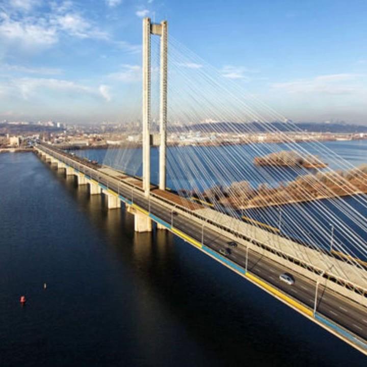 Рух по одному з мостів Києва обмежать на 2 місяці