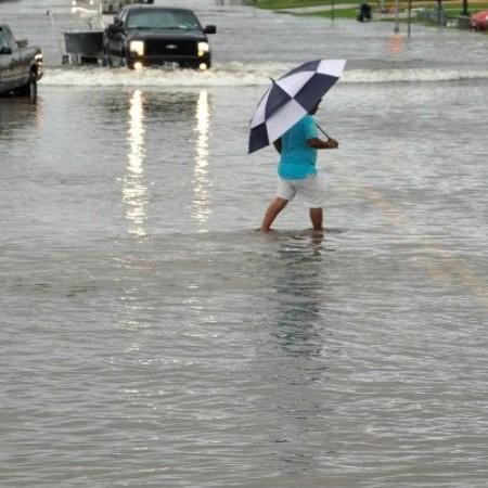 Руйнівний ураган в США: вже 14 жертв, метеорологи попереджають про можливе погіршення ситуації