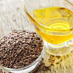 Олія з насіння льону: в чому її користь для організму