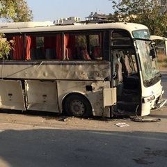 У турецькому Ізмірі підірвали автобус (відео)