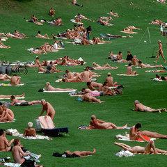У Парижі відкрили перший парк для нудистів