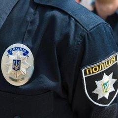 У Борисполі поліція зняла жінку із 30-метрової вежі (відео)