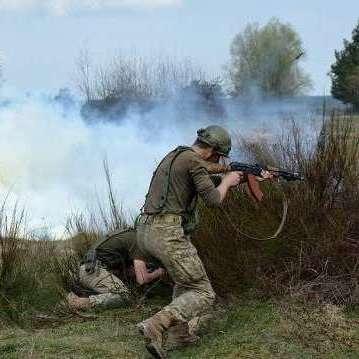 Незаконні збройні формування 16 разів відкривали вогонь по позиціях сил АТО, - штаб