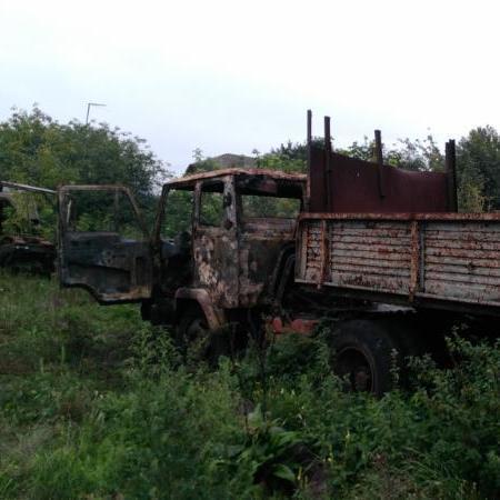 У Києві виявили вантажівку із згорілим тілом всередині (фото)
