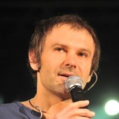 Святослав Вакарчук заспівав російською на концерті в Одесі (відео)